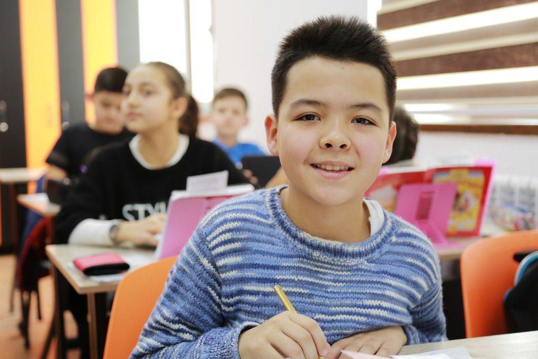 children at school friendesk project erasmus plus