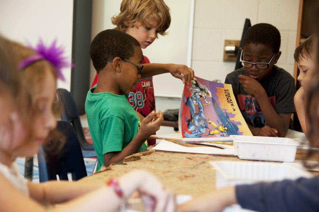 children at school friendesk project erasmus plus 4
