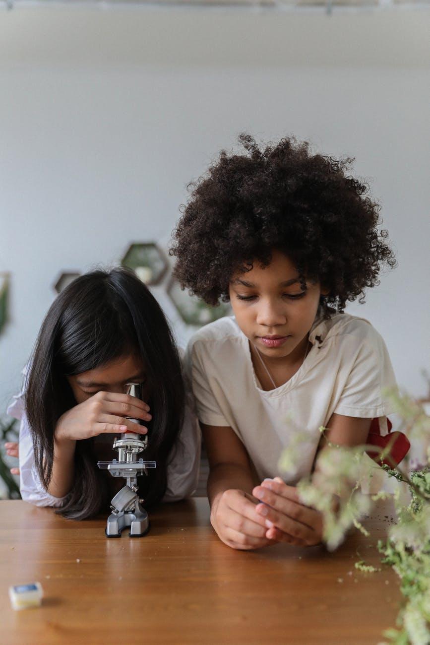 niños cientificos choise